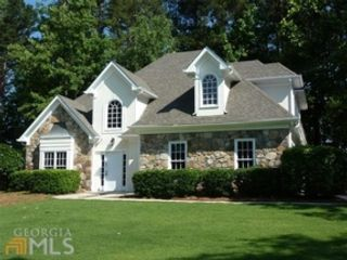 5 BR,  4.00 BTH Craftsman style home in Fayetteville