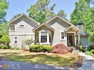 4 BR,  3.50 BTH Traditional style home in Newnan
