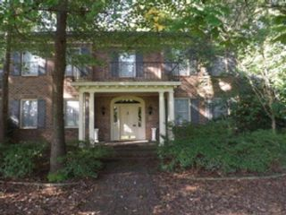 5 BR,  4.00 BTH Single family style home in Scarborough
