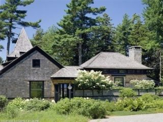 4 BR,  4.50 BTH Single family style home in Seal Harbor
