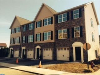 4 BR,  2.50 BTH Colonial style home in Macungie