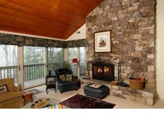 3 BR,  2.50 BTH Single family style home in Farmington