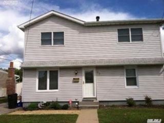 7 BR,  4.50 BTH Cape cod style home in Mount Vernon