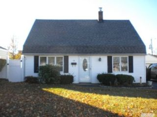 4 BR,  2.00 BTH  Bi level style home in Roanoke