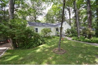 2 BR,  2.00 BTH Ranch style home in Danbury