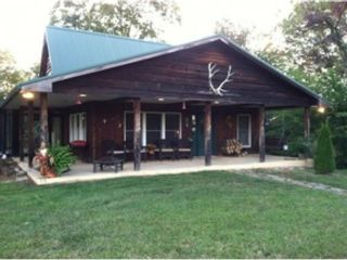 4 BR,  4.00 BTH Single family style home in Johnson City