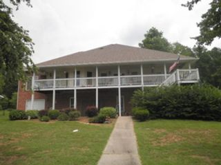5 BR,  2.00 BTH  Single family style home in Milledgeville