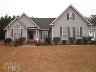 3 BR,  3.00 BTH  Single family style home in Milledgeville
