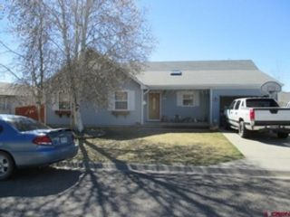 5 BR,  3.00 BTH Raised ranch style home in Cahone
