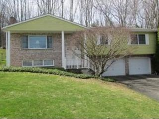 4 BR,  4.00 BTH Single family style home in Sharpsburg