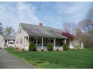 3 BR,  2.00 BTH Single family style home in Tewksbury