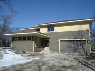 3 BR,  2.50 BTH Ranch style home in Rockford