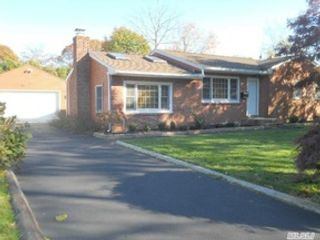 Studio,  0.00 BTH Single family style home in Medford