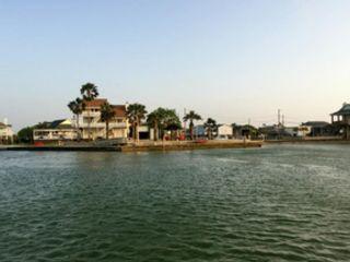 3 BR,  3.50 BTH Single family style home in Port Aransas