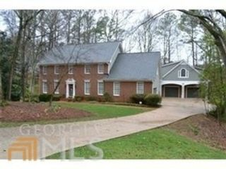 3 BR,  2.00 BTH  Single family style home in Warner Robins