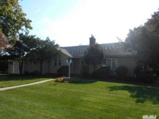 3 BR,  3.00 BTH Single family style home in Cypress