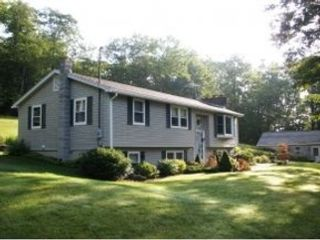 4 BR,  3.50 BTH  Traditional style home in Canton