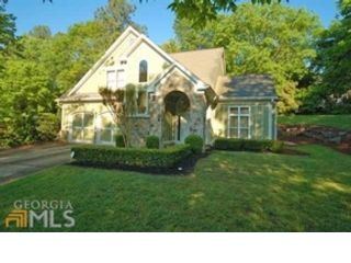 6 BR,  5.50 BTH Traditional style home in Canton