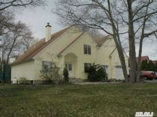 3 BR,  1.50 BTH 2 story style home in Paxton