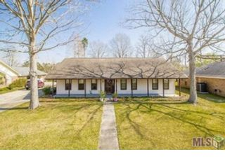 4 BR,  2.50 BTH Single family style home in Baton Rouge