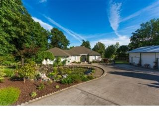 4 BR,  3.50 BTH Single family style home in Vancouver