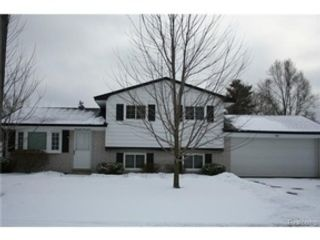 5 BR,  3.00 BTH Single family style home in Afton