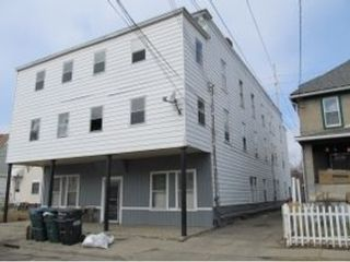 3 BR,  2.50 BTH Single family style home in Smithfield