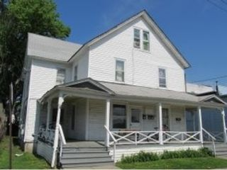 Studio,  0.00 BTH Townhouse style home in West Warwick
