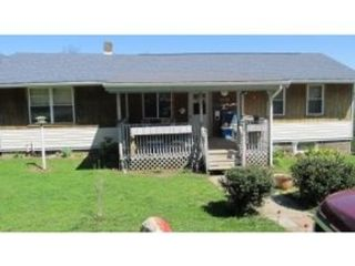 3 BR,  3.00 BTH Traditional style home in Afton