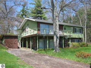 3 BR,  1.00 BTH Single family style home in Au Gres