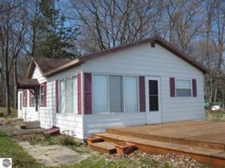 3 BR,  1.00 BTH Single family style home in Standish