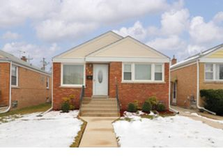 3 BR,  2.50 BTH Traditional style home in Joliet