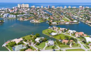 3 BR,  3.00 BTH  Single family style home in Marco Island