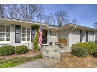 3 BR,  2.00 BTH Single family style home in Higgins Lake