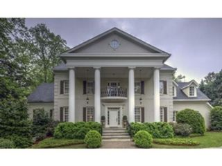 4 BR,  3.00 BTH  Traditional style home in Atlanta
