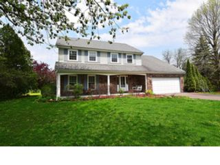 5 BR,  5.50 BTH Colonial style home in St Charles