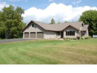4 BR,  3.50 BTH 2+ story style home in Harbor Springs