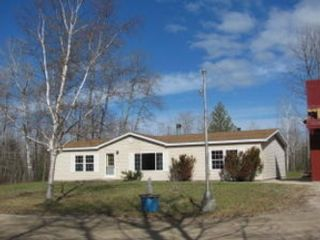 Studio,  0.00 BTH Commercial style home in Alanson