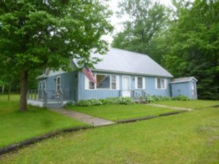 3 BR,  3.50 BTH Single family style home in West Branch