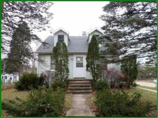 5 BR,  2.50 BTH 2 story style home in Rose City
