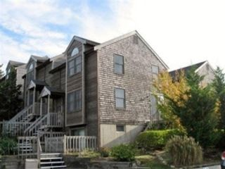 2 BR,  2.50 BTH 2 story style home in Columbus