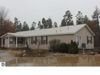 3 BR,  2.00 BTH Single family style home in Onaway