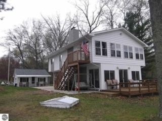 3 BR,  2.00 BTH 1-1/2 story style home in Hale
