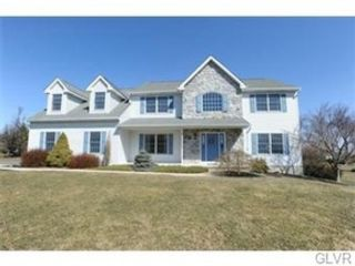 4 BR,  3.50 BTH Colonial style home in Macungie
