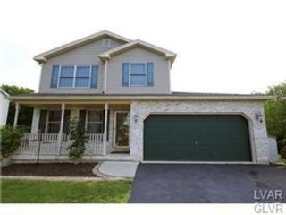 4 BR,  2.50 BTH Colonial style home in Hanover Township