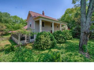 3 BR,  2.50 BTH Traditional style home in Knoxville