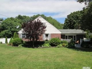 4 BR,  2.50 BTH Single family style home in Tawas City