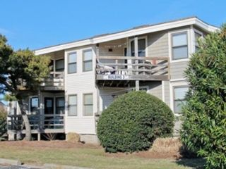 5 BR,  5.50 BTH  Single family style home in Nags Head