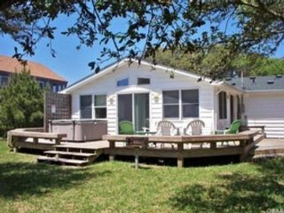 3 BR,  1.50 BTH Single family style home in Buxton