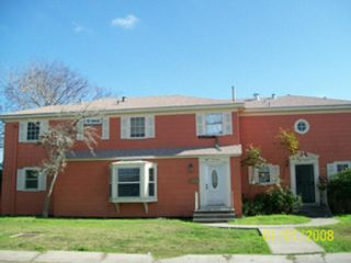 5 BR,  3.00 BTH Single family style home in Avon